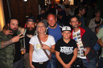 """<p class=""""caption"""">Party-People aus Nofels in Feierlaune.Fotos: Bandi Koeck</p>"""