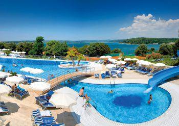 """<p class=""""caption"""">Das Hotel Valmar Tamaris**** in Istrien, garantiert Badespaß für Groß und Klein.</p>"""