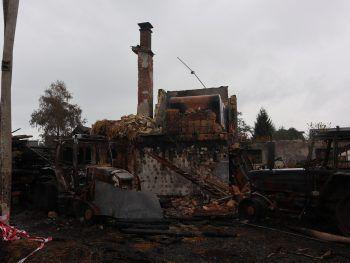 <p>Ruine. Die Zerstörung ist mit Worten kaum zu beschreiben.</p>
