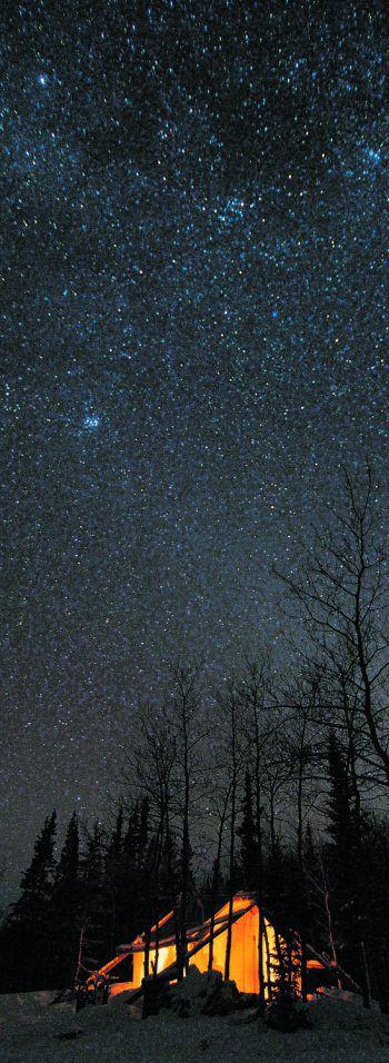 """<p class=""""caption"""">Sarah verbrachte im Yukon zwei Nächte unter dem freien Sternenhimmel.</p>"""