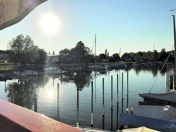 """<p class=""""caption"""">Sonne pur auf Fränzle's-Terrasse im Fußacher Hafen.</p>"""