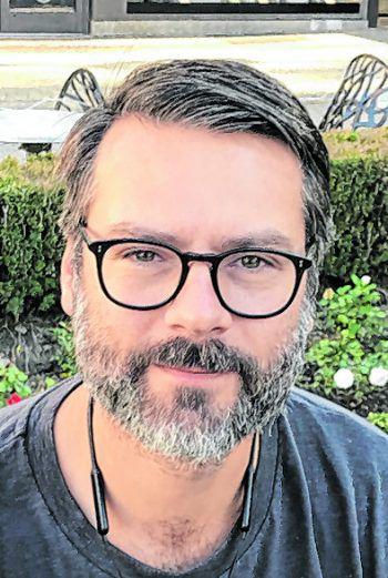 """<p>Zeno, 44, Dornbirn: """"Ehrlich gesagt weiß ich gar nicht, was ich mit so viel Geld machen würde. Das ist so eine schwer vorstellbare Summe. Wahrscheinlich würde ich es investieren.""""</p>"""