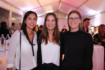 "<p class=""caption"">Anastasia Nikolic, Adriana Bolter und Melina Kirschner.</p>"