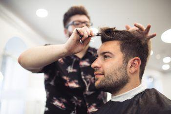 Bei Alberto wurden die Haare deutlich gekürzt. Fotos: Sams