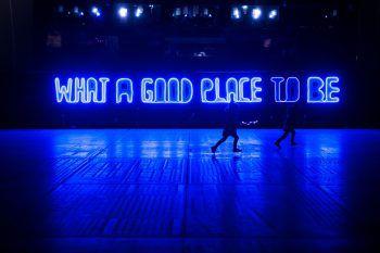 <p>Blackpool. Aussagekräftig: Die Lichtinstallation von Debi Keable ist Teil des Lightpool-Festivals.</p>