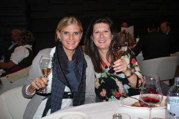 "<p class=""caption"">Carolin Estre und Melanie Gamsjäger.</p>"