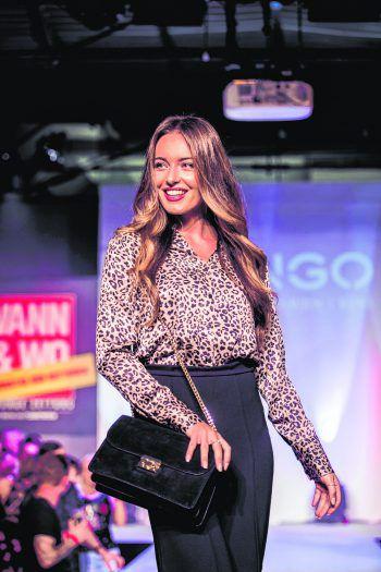 Damenwahl: Miss Austria Izabela Ion präsentierte die neueste Mango-Fashion. Fotos: Sams