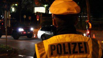 Zerkratzte Autos in Fraxern: Die Polizei bittet um Hinweise. Symbolfoto: VOL.AT