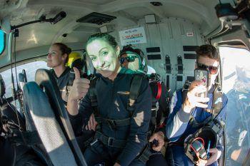 """<p class=""""caption"""">Die Stimmung im Hubschrauber war kurz vor dem Absprung super.</p>"""