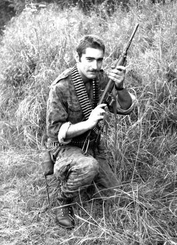 """<p class=""""caption"""">Eine Aufnahme aus der Ausbildungszeit beim Jagdkommando in Hainburg.</p>"""