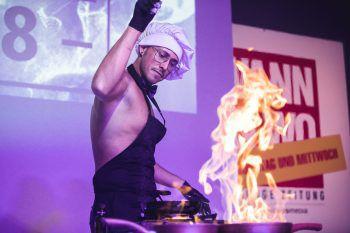 """<p class=""""caption"""">Feuer und Flamme: Dragans Leidenschaft ist das Kochen, das wollte er auch beim Personality-Durchgang zeigen.</p>"""