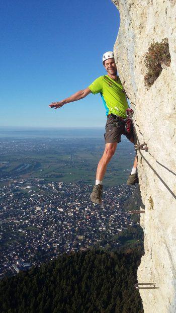 """<p class=""""caption"""">Jürgen beim Klettern am Kapf, auf dem Weg zur Schlachtpartie am Spallenhof.</p><p class=""""caption"""" />"""