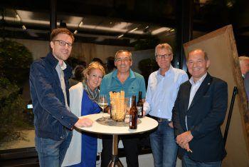 """<p class=""""caption"""">Jürgen Mischi, Gerti und Peter Weingärtner, Egon Arnold und Harald Konzilia.</p>"""