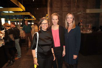 "<p class=""caption"">Karin Guldenschuh (Regie), Moderatorin Lara Kaufmann und Andrea Masal.</p>"