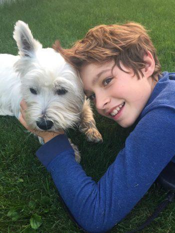 """<p class=""""caption"""">Laurin mit seinem Freund Benny.""""</p>"""