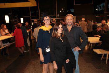 """<p class=""""caption"""">Margit Hinterholzer mit Maria und Heinz Rüscher.</p>"""
