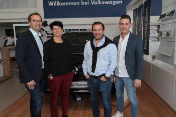 """<p class=""""caption"""">Markus Kirschner (WANN & WO) und Petra mit Lukas Marberger und Marco Geser.</p>"""