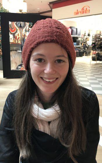 """Nina, 23, Dornbirn: """"Ich bin selbst weniger in Sozialen Netzwerken aktiv und bekomme nicht viel von Hasspostings mit. Wenn die aktuellen Gesetze aber zu locker sind, sollte man auf jeden Fall strengere machen. Wichtig ist es auch, den Betroffenen zu helfen."""""""