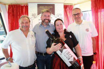 Peter Sperger, Arthur und Nicole Nägele sowie Elmar Mathis.Fotos: WAM