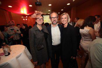 "<p class=""caption"">Präsidentin Margit Hinterholzer, Markus und Anna-Claudia Strolz.</p>"