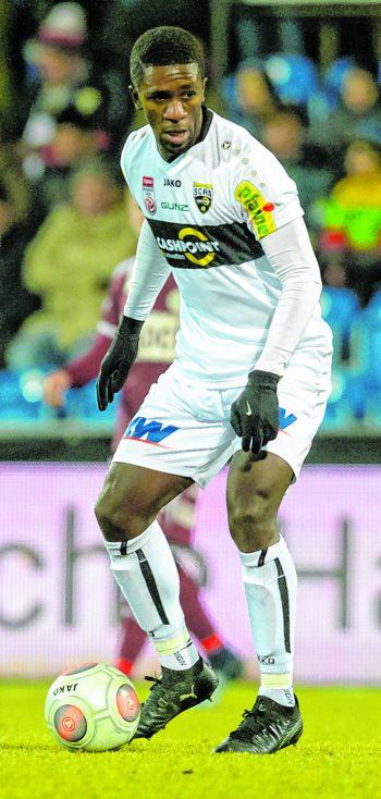 """<p class=""""caption"""">Samuel Oum Gouet hat seine Verletzung auskuriert und kam gegen den LASK und Mattersburg bereits zu Kurzeinsätzen.</p>"""