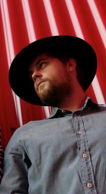 Timothy Kofler spielt in der Band NO3 und präsentiert für WANN & WO seine persönlichen Top Ten-Lieblingssongs. Foto: Pascal Peter