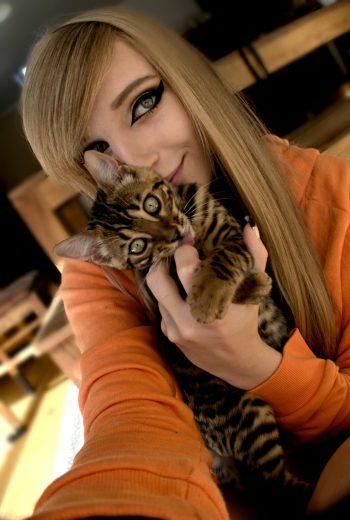 """<p class=""""caption"""">Vanessa und Saki, ihr kleiner """"Leopard"""".</p><p class=""""caption"""" />"""