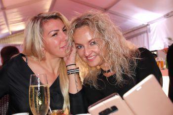 """<p class=""""caption"""">Vera und Valentina.</p>"""