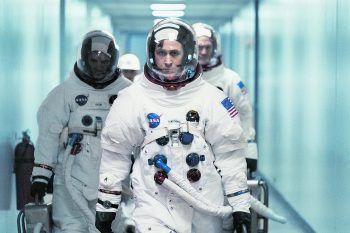 Armstrong (Ryan Gosling) will als erster Mensch einen Fuß auf den Mond setzen.Foto: UPI