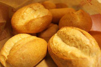 """<p class=""""caption"""">Brötle, Brot oder Brötchen? Symbolfoto: dpa</p>"""