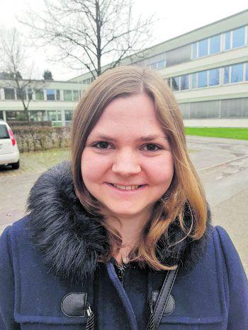 """<p>Carina, 23, Ludesch: """"Ich würde das Geld mit meiner Familie teilen und an wohltätige Organisationen spenden. Mit dem Rest würde ich mir einen wunderschönen Urlaub mit Freunden und meiner Familie gönnen.""""</p>"""