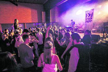 Dank der Initiative zahlreicher Jugendlicher aus Übersaxen feiert das RouteStock Festival am Samstag im Dorfsaal seine zweite Auflage! Foto: handout/Pete Ionian