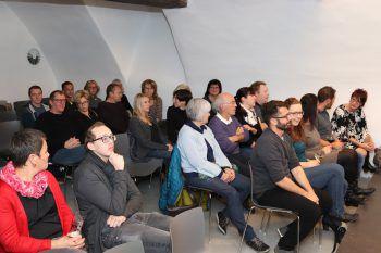 """<p class=""""caption"""">Das Publikum war begeistert.</p>"""
