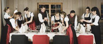 Das Team des Löwen Hotel im Montafon verwöhnt die Gäste und sorgt so für eine tolle Auszeit vom Alltag. Foto: Löwen Hotel