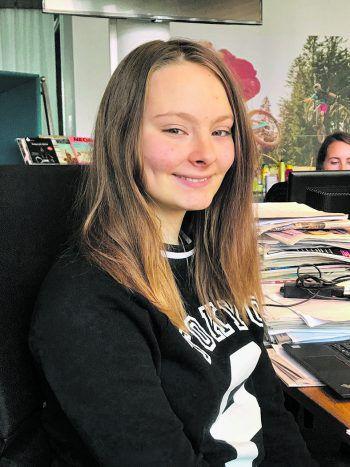 Die 14-jährige Naomi Themessl-Huber gewährte W&W einen Einblick in die Lieblings-Apps auf ihrem Smartphone. Foto: W&W