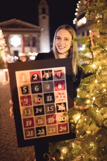 Es warten schon viele tolle Überraschungen hinter den 24 Türchen des WANN & WO-Adventskalenders! Fotos: Sams; handout/Gesundhotel Bad Reuthe