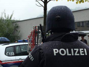 Die beiden gesuchten Männer meldeten sich bei der Polizei. Symbolfoto: Matthias Rauch