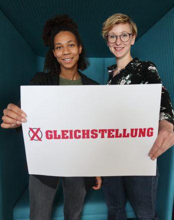 Leonie und Anja (WANN & WO) wünschen sich mehr Gleichberechtigung.Fotos: W&W