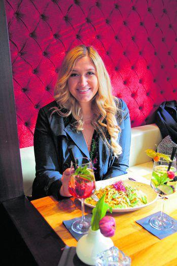"""<p class=""""title"""">               Hubers             </p><p>Ob ein ausgedehntes Frühstück, einen Cocktail zum Start ins Wochenende oder ein gemütliches Abendessen mit Freunden, Hubers bietet einfach alles. Im Herzen des Garnmarkts gelegen, ist das Hubers die passende Location für jede Gelegenheit. Die Menükarte mit internationalen Gerichten lässt keine Wünsche offen. Jeden Samstag verwöhnt Hubers seine Gäste mit einem ausgiebigen Frühstücksbuffet. Auch unter der Woche werden abwechslungsreiche Mittagsmenüs angeboten. Fotos: handout/City Cupcakes</p>"""