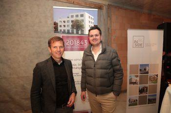 """<p class=""""caption"""">Joe Welte (Inside96) und Dr. Markus Hafner (Mieter Geschäftsfläche).</p>"""