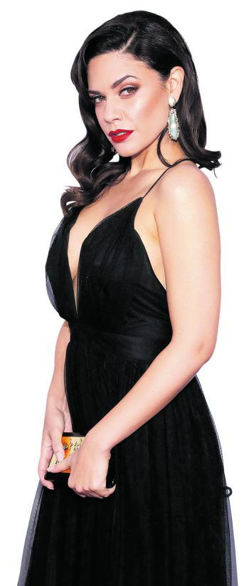 New York. Sexy: Schauspielerin Angelica Celaya bei den Emmy Awards.