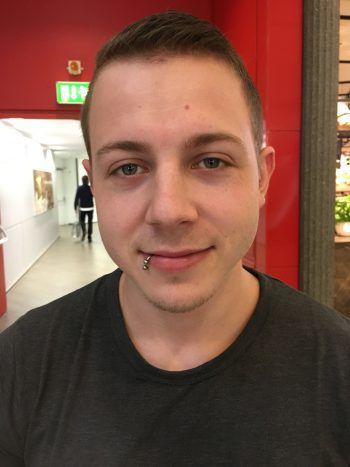 """<p>Philipp, 23, Koblach: """"Meiner Meinung nach sind spontane Geschenke immer die besten von allen. Deswegen besorge ich meine Weihnachtsgeschenke meistens so spät wie möglich.""""</p>"""