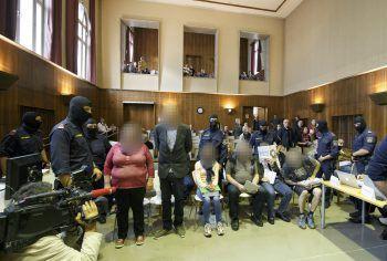 """Prozess gegen die Mitglieder des """"Staatenbund Österreich"""". Foto: APA"""
