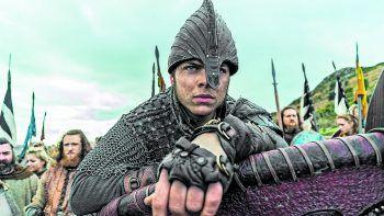"""Ragnars Lothbroks Sohn Ivar der Knochenlose steht im Fokus der neuen Staffel von """"Vikings"""".Fotos: Netflix, Amazon, Sky, Instagram"""