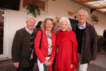 """<p class=""""caption"""">Richard Elsler und Sonja Scholl mit Mik und Elmar Zimmermann.</p>"""