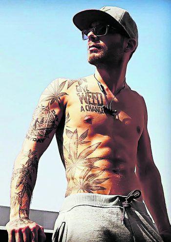 Seine Tattoos ziehen die Blicke der Menschen auf sich.Fotos: handout/Nandino Brändle