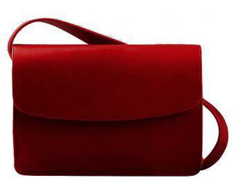 """<p class=""""caption"""">Sorgt bei jedem Outfit für ein Highlight: die rote Ledertasche von Vagabond um 180 Euro.</p>"""