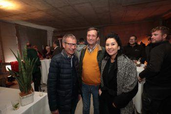 """<p class=""""caption"""">Stefan Bell (Fliesenpool), Markus Müller (47 Grad) und Alexandra Akman (Inside96).</p>"""