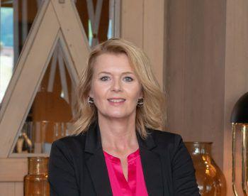 """Tamara Frast, PR-Managerin Löwen Hotel Montafon: """"Ich liebe die einzigartige, atemberaubende Landschaft im Montafon und fühle mich hier ganz besonders wohl. Wandern am Rellseck oder Biken an der Ill sind meine persönlichen Highlights in der Region."""""""