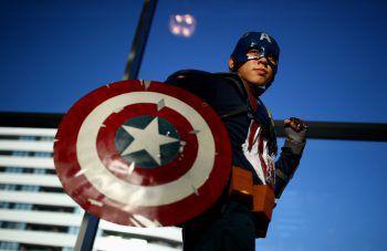 <p>Wien. Heldenhaft: Ein Cosplyer verkleidet sich, anlässlich der Comic Con in Wien, als Captain America.</p>